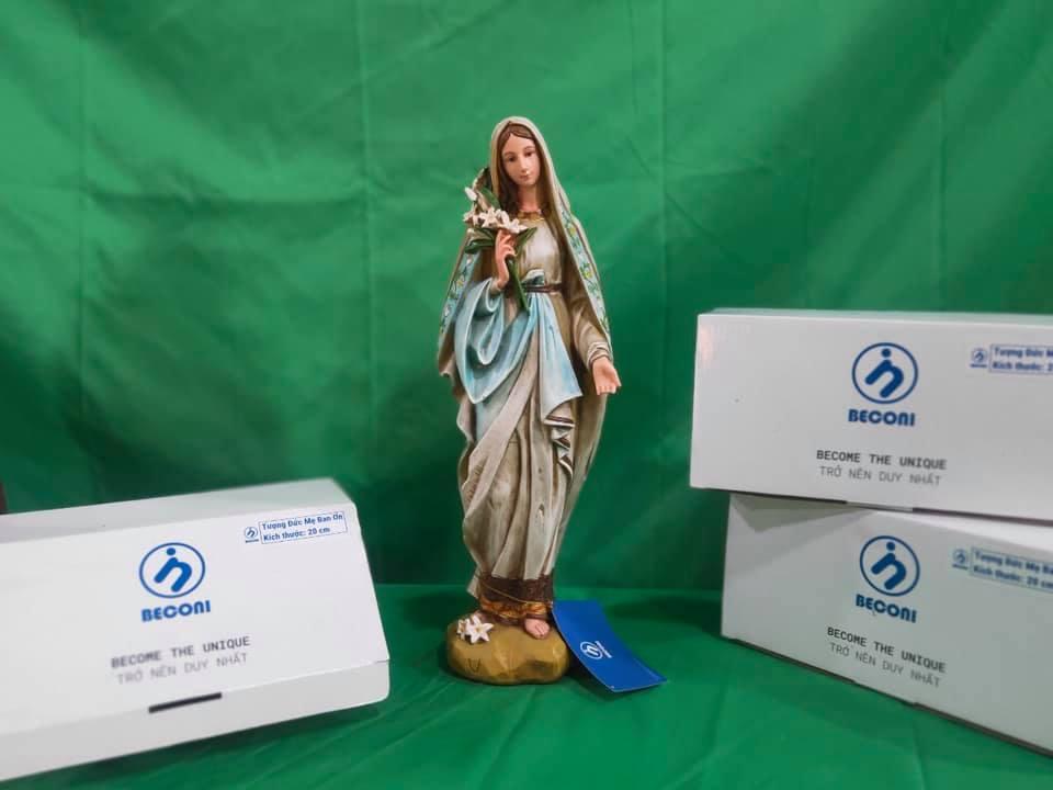 Đức Mẹ Hoa Huệ Tượng Công Giáo đẹp