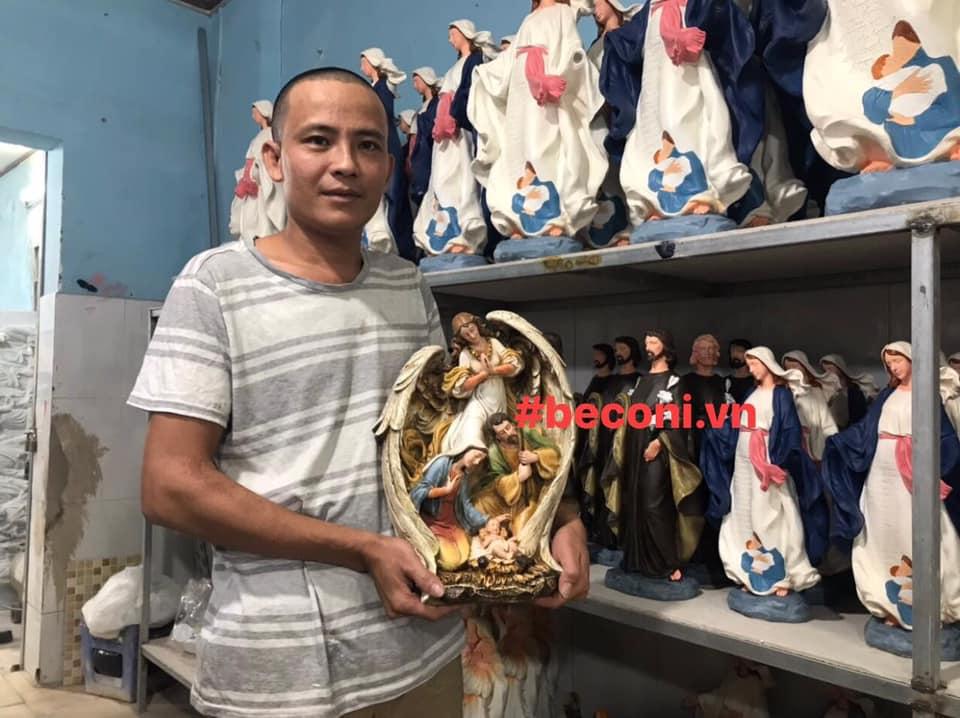 Tượng Công Giáo Italia sản xuất tại Việt Nam. Điều tuyệt vời bắt đầu từ năm 2018, khi một đơn vị Italia đồng ý chuyển giao công nghệ sản xuất và cung cấp vật tư, nguyên phụ liệu cho công ty TNHH Beconi (BECONI) tại thành phố Hồ Chí Minh.