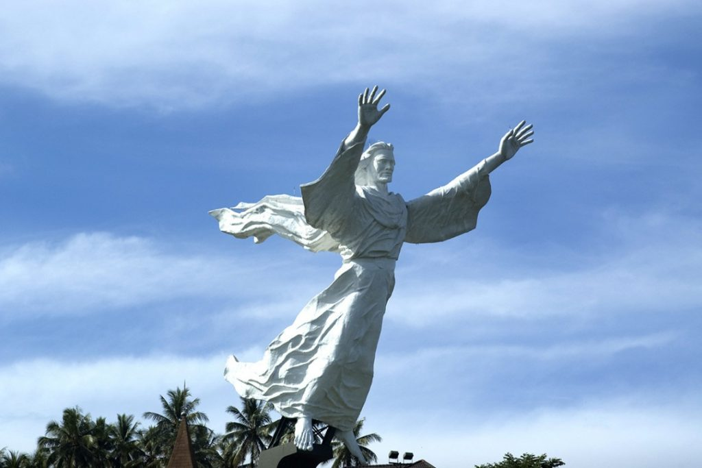 Tượng Công Giáo đẹp nhất thế giới. Hôm nay chúng tôi tổng hợp 10 bức tượng Đức Chúa Kito đẹp nhất. Những Bức tượng công giáo đẹp nhất thế giới.