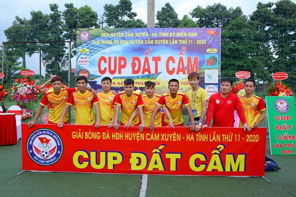 Giải bóng CUP ĐẤT CẨM - Giải bóng đá HĐH H. Cẩm Xuyên - Hà Tĩnh tại KV Phía Nam.