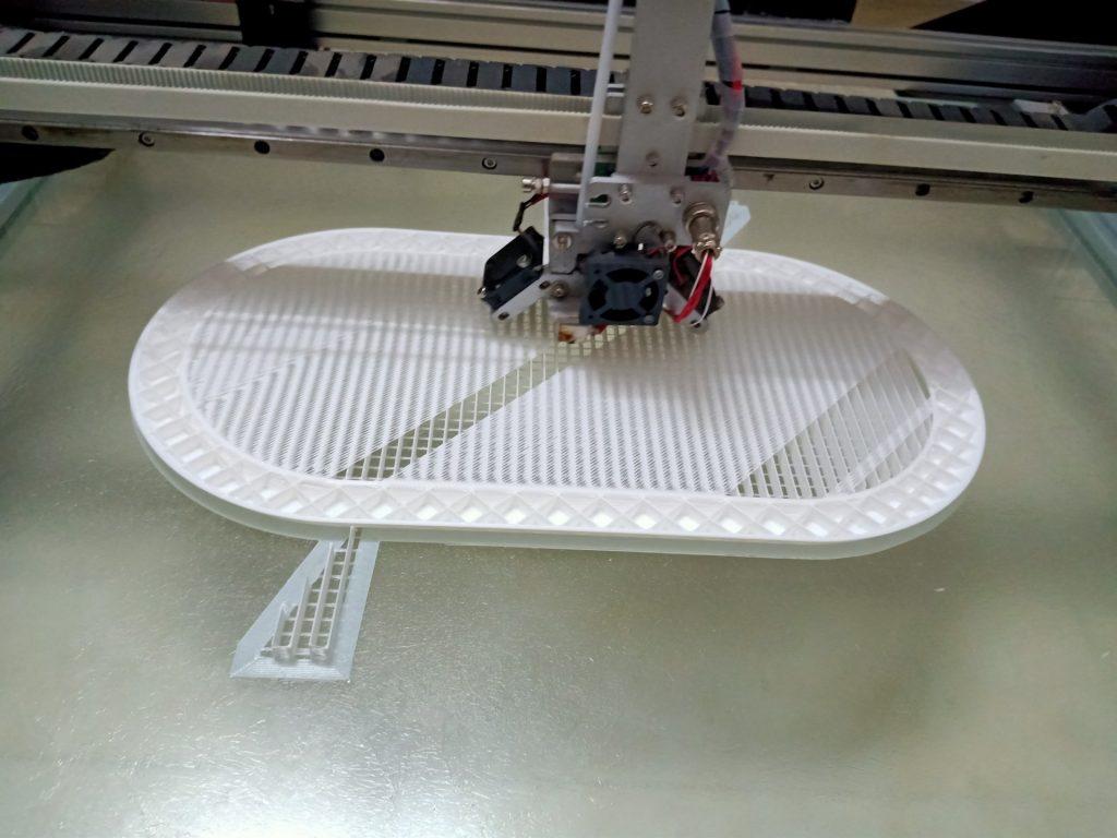 Dịch vụ in 3D khổ lớn và Máy in 3D kích thước lớn TPHCM. Sử dụng máy in 3d kích thước lớn để hỗ trợ việc tạo mẫu cho các doanh nghiệp trên địa bàn Thành phố Hồ Chí Minh và Lân cận.