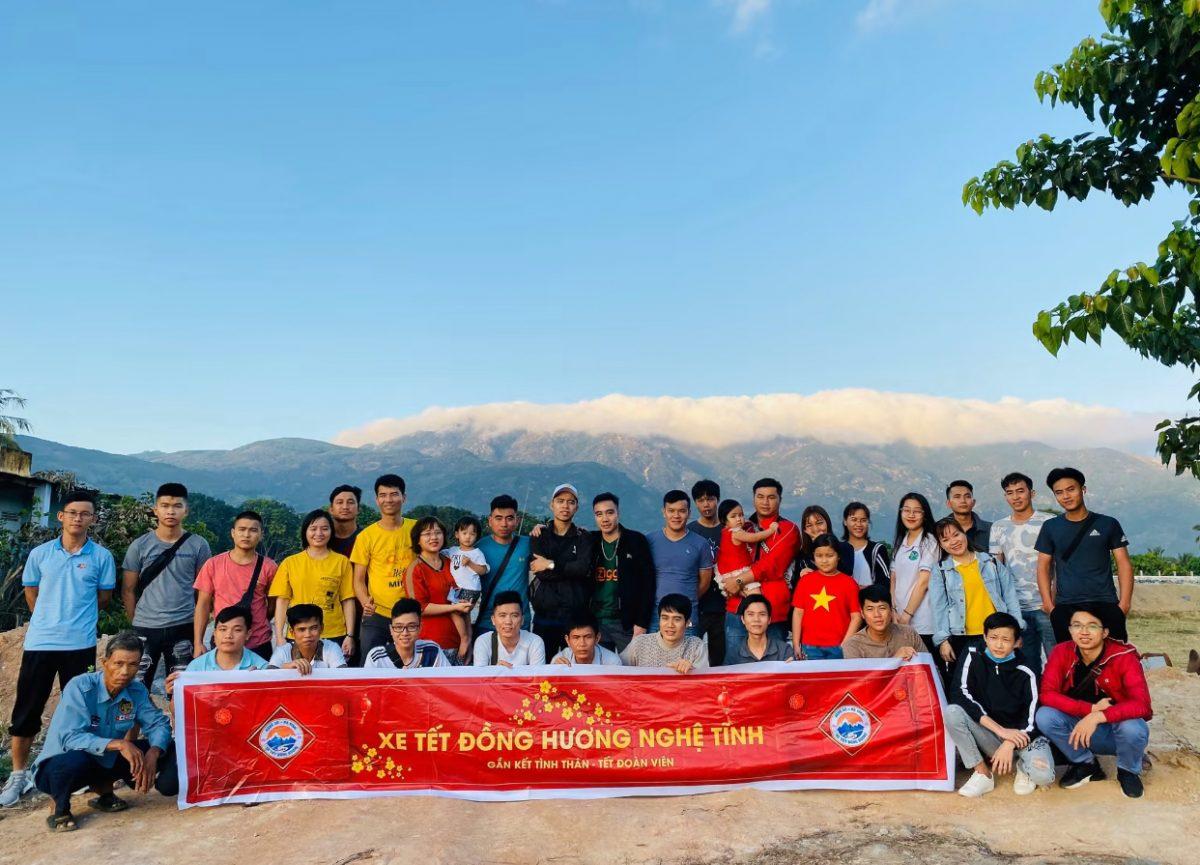 Xe Tết Hội đồng hương SV Nghệ Tĩnh tại TPHCM đưa SV – CNV về quê ăn Tết 2021