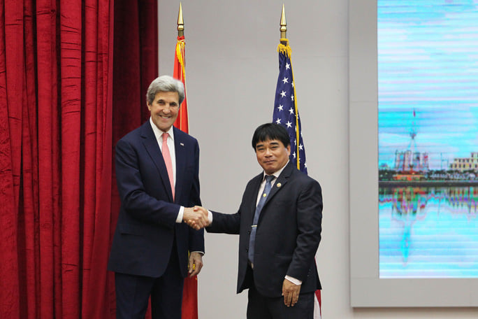 Ngày 13/1/2017, Ngoại trưởng Mỹ John Kerry đã từng ghé thăm HCMUTE. Và có buổi nói chuyện với 400 sinh viên, trí thức, doanh nhân TP HCM.