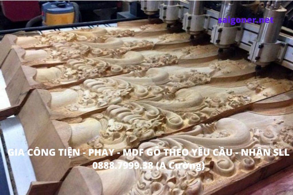 Xưởng gia công tiện gỗ CNC theo yêu cầu số lượng lớn, hàng xuất khẩu. Gia công CNC nhiều loại gỗ khác nhau trên các máy: phay - tiện - phay cnc - tiện cnc - cắt dây - xọc - khoan - đánh bóng - sơn PU, NC... Thiết bị máy móc gia công gỗ đầy đủ, đội ngũ nhân lực hùng hậu giúp chúng tôi chuẩn hóa quy trình gia công và hoàn thiện sản phẩm một cách tốt nhất với chi phí giá rẻ nhất. Hỗ trợ nhiều doanh nghiệp trong nước thành công với các ngành nghề: đồ gỗ nội thất, đồ gỗ ngoại thất, sản xuất sản phẩm gỗ xuất khẩu, các doanh nghiệp thương mại chuyên xuất khẩu ...